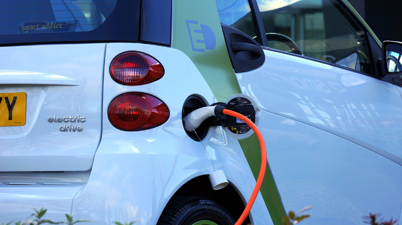 """[url=https://pixabay.com/en/electric-car-car-electric-vehicle-1458836/]""""Electric Car""""[/url] by MikesPhotos is in the [url=http://creativecommons.org/publicdomain/zero/1.0/]Public Domain, CC0[/url] While electric cars like the one pictured are becoming commonplace, the cost to run them can be deceptive unless you know your local energy company's cost schedule."""