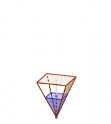 pirámide con aguaa