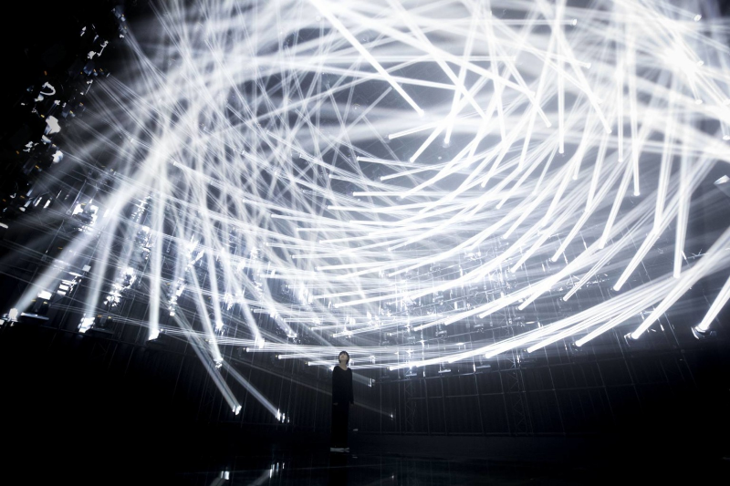 https://www.thisiscolossal.com/2018/08/the-haze-by-teamlab/