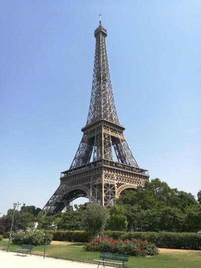 Kuva 1. Eiffel-torni